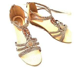 EUC  boho sandals